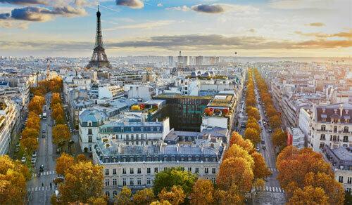 Paris là một trong những điểm đến thu hút nhiều khách du lịch của Pháp. Ảnh: Telegraph.