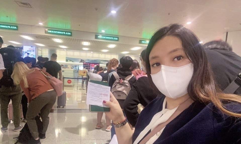 Photo of Khách Việt tự cách ly khi về từ Hàn Quốc