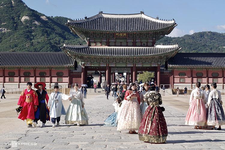 Đóng tour Hàn, Italy vì Covid-19 - ảnh 1