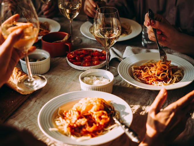 Mì ống tươi sẽ được mua khi tàu cập cảng ở Ý. Du thuyền Princess, nơi có nhà hàng Ý với những món ăn truyền thống từng đoạt giải thưởng đã hợp tác với Đầu bếp Angelo Auriana để tạo ra các món ăn mang hương vị xưa cũ. Ảnh: Shutterstock/Yulia Grigoryeva