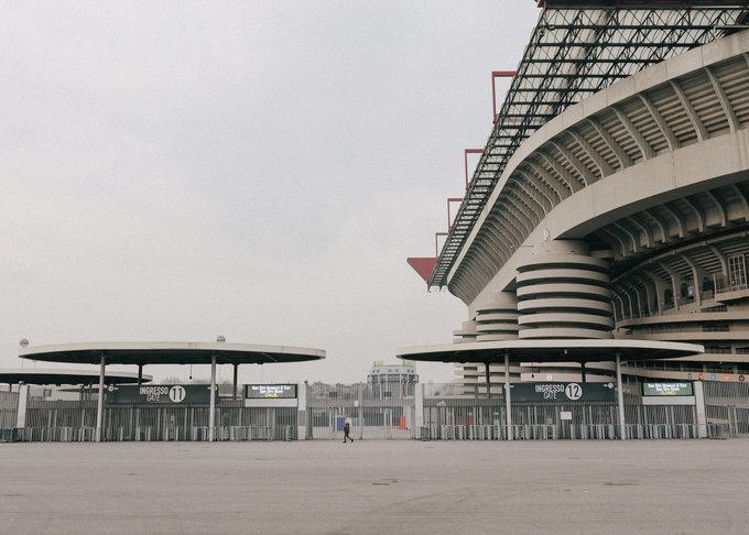 Milan trống rỗng