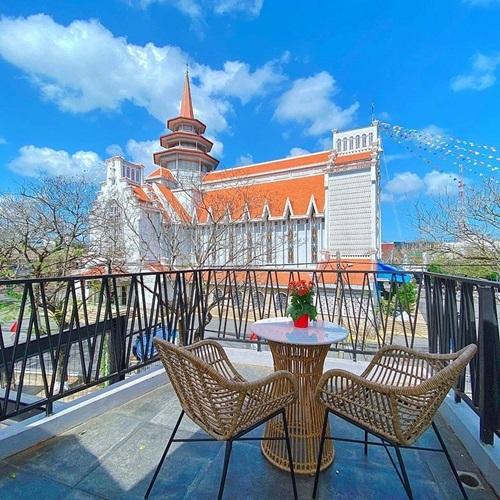 Quán cà phê phong cách Paris ở Huế - ảnh 1