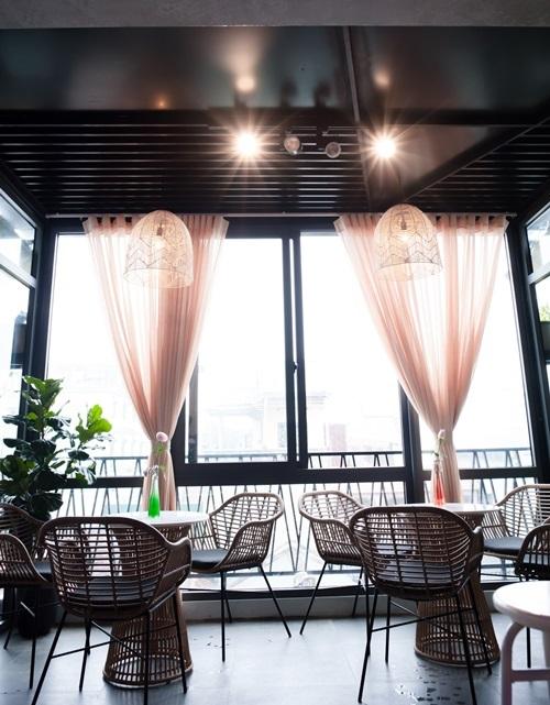 Quán cà phê phong cách Paris ở Huế - ảnh 3