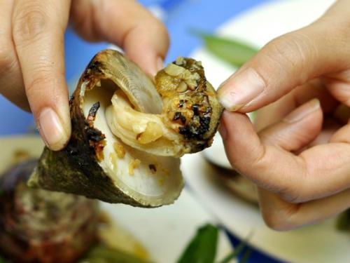 Ốc vú nàng là hải sản nổi tiếng ngon ở Côn Đảo. Ảnh: dulichvietnam.