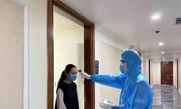 Bên trong khách sạn làm cơ sở cách ly ở Hạ Long, Đà Nẵng - Ảnh 4.