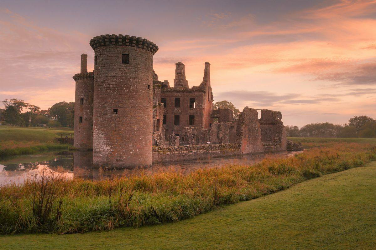 Trên ảnh là lâu đài Caerlaverock, gần thị trấn Dumfries. Ảnh: Visit scotland.