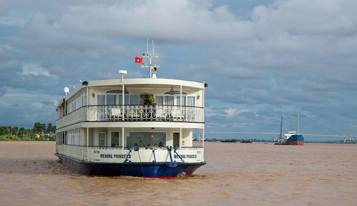 Dịch bệnh nCoV khiến tất cả các doanh nghiệp khai thác du thuyền, tàu du lịch phải ngưng hoạt động để đảm bảo an toàn cho du khách. Ảnh: Huỳnh Kim Bảo.