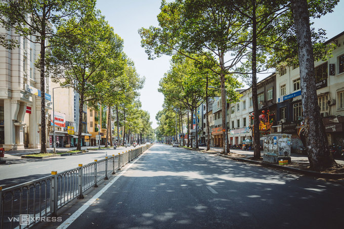 Sài Gòn bỗng rộng thênh thang