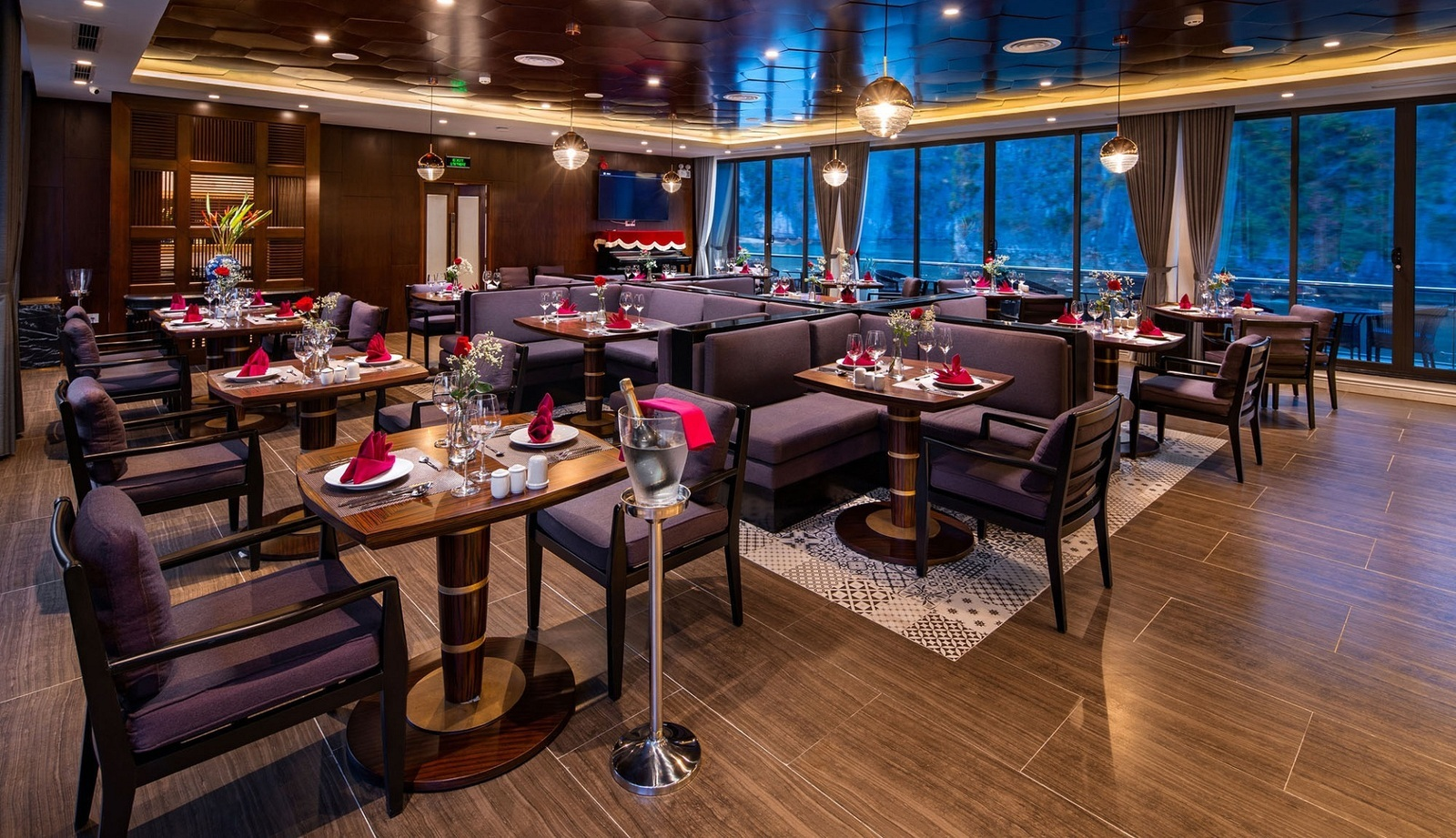 Stellar-Restaurant-6397-1588763028.jpg