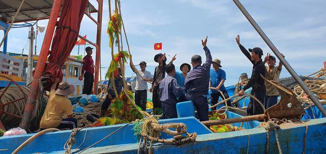 le-quoc-vuong-cang-Lagi-9249-1607693295.